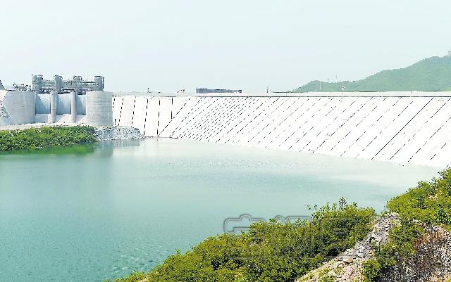 据介绍,河口村水库位于济源市克井镇境内,工程总投资27.